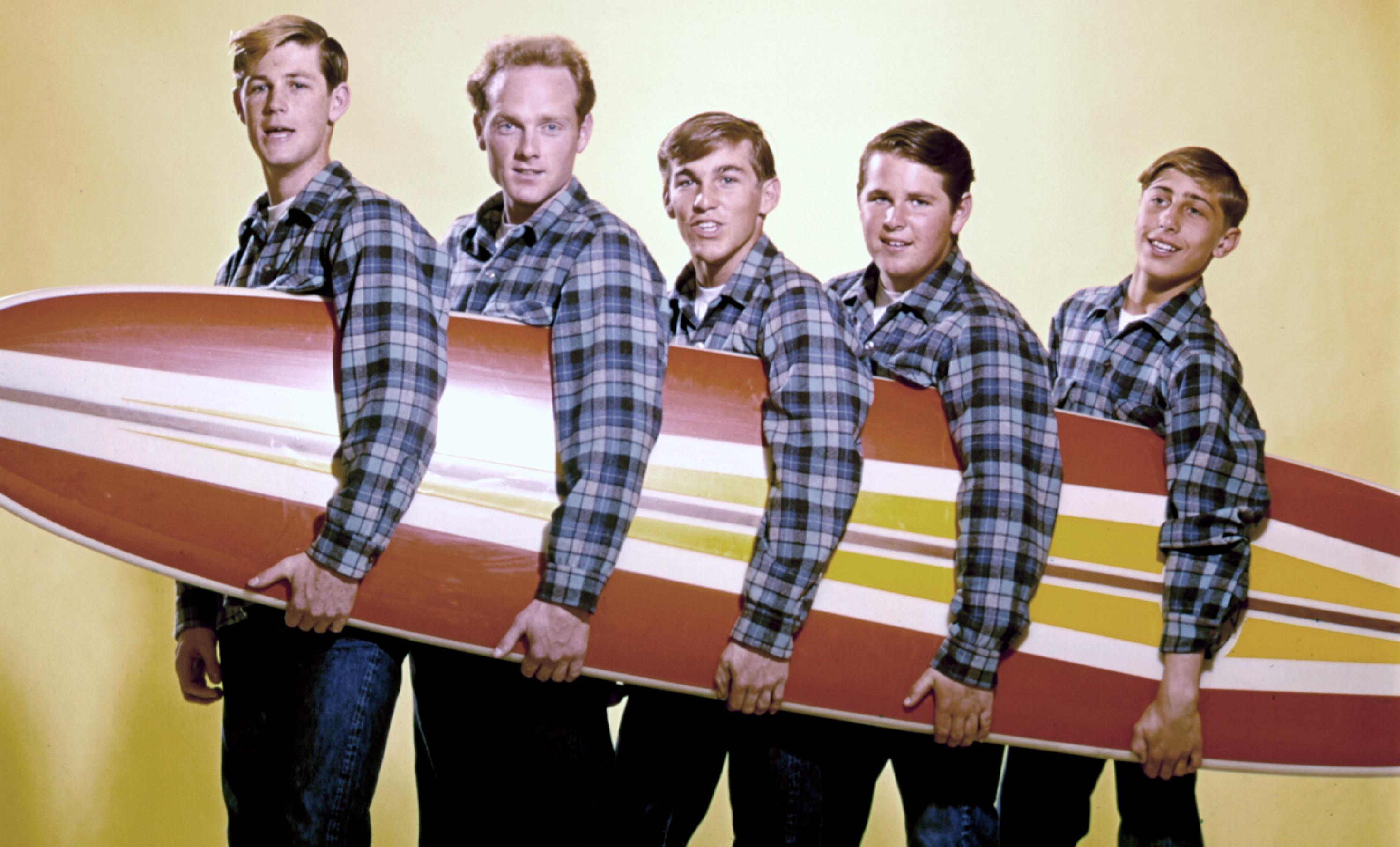 """Beach Boys во всей красе. Ниже их песня """"Surfin' USA"""""""