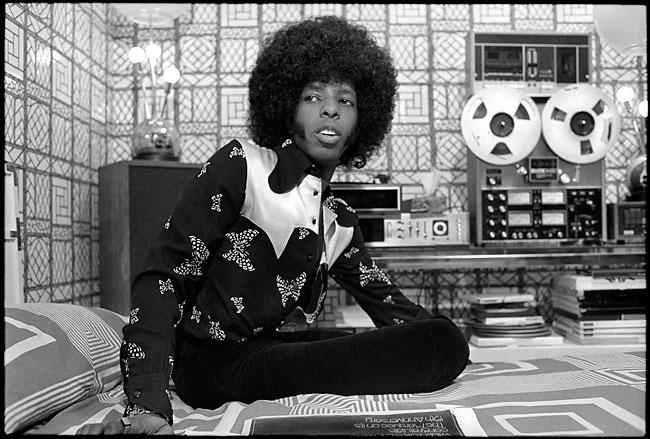 "Слай Стоун. Ниже песня его группы ""Sly and the Family Stone"" - ""Everyday People"""
