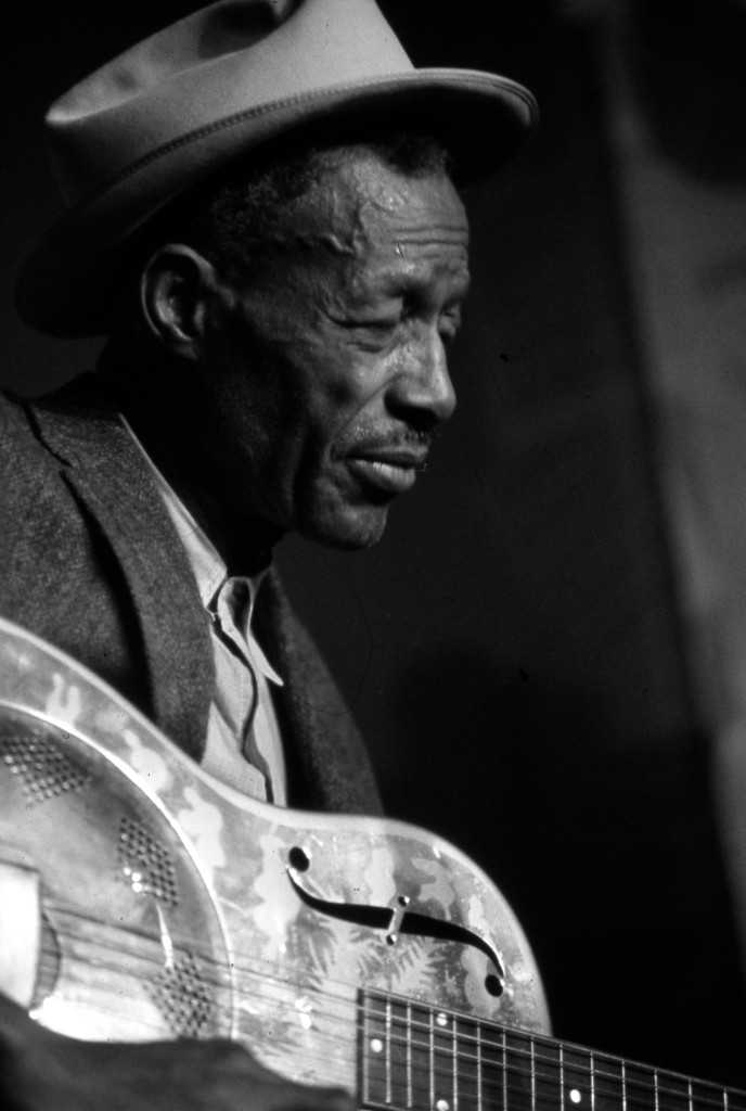 "Son House. Ниже блюз ""Levee Camp Blues"""