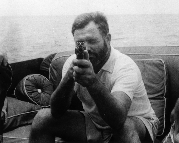 hemingway s disillusionment with war in for